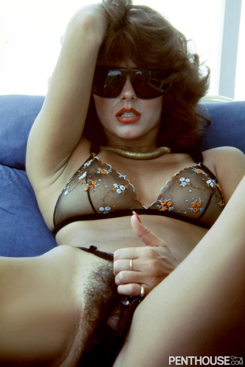 Laura Bennett Doone nude. Pet Of The Month - October 1974
