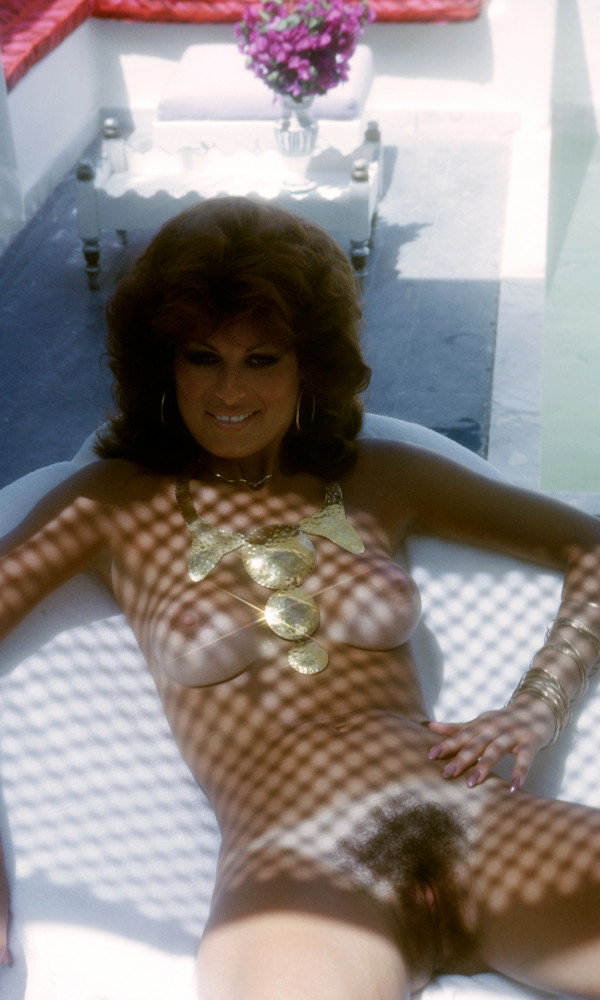 Bonnie Dee Wilson nude. Pet Of The Month - November 1975