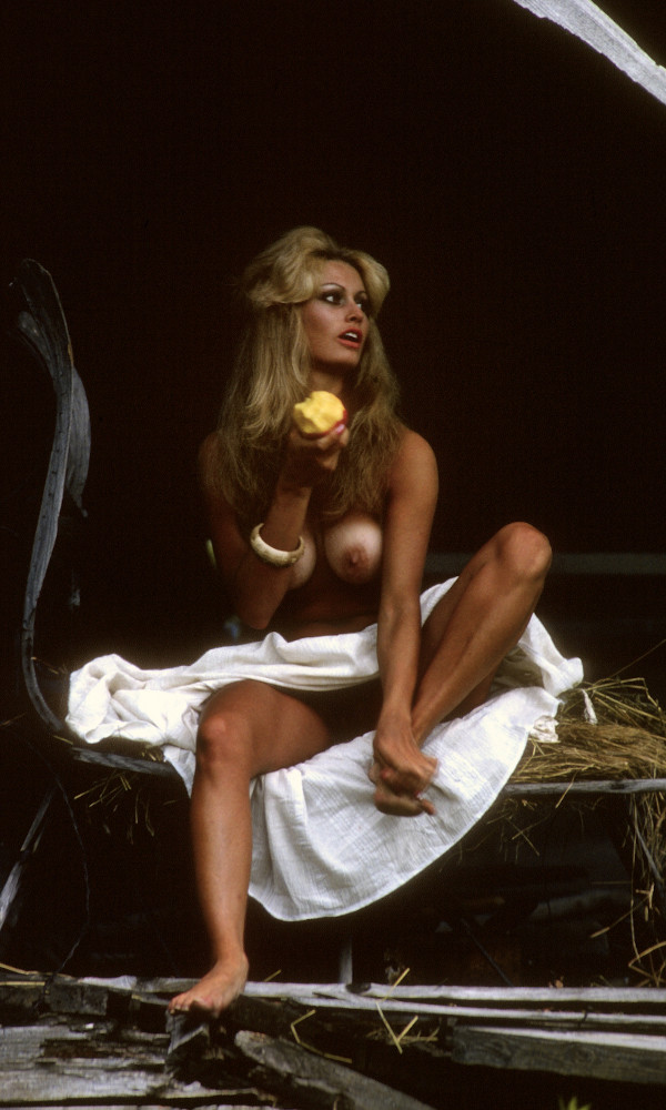 Susan Waide nude. Pet Of The Month - December 1975