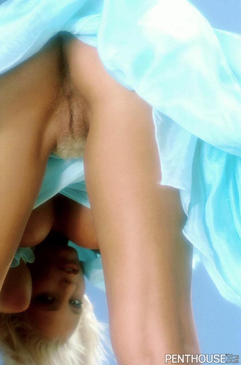 Lynn Johnson nude. Pet Of The Month - September 1989