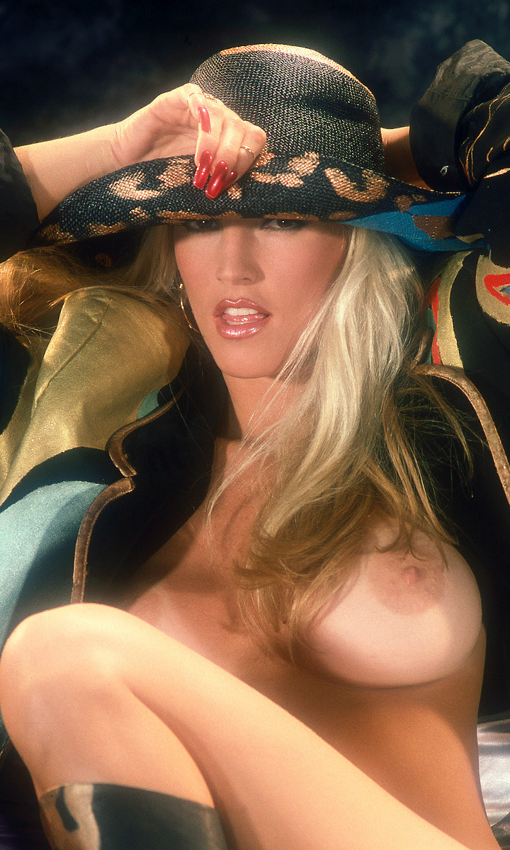 Amy Lynn Baxter nude. Pet Of The Month - June 1990