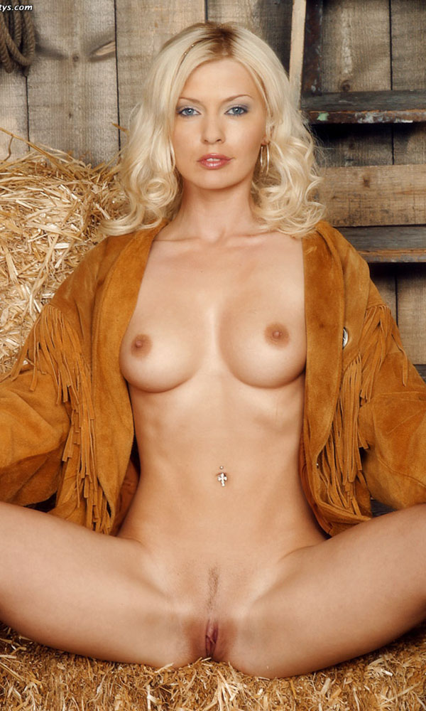 Kelle Marie nude. Pet Of The Month - May 2001