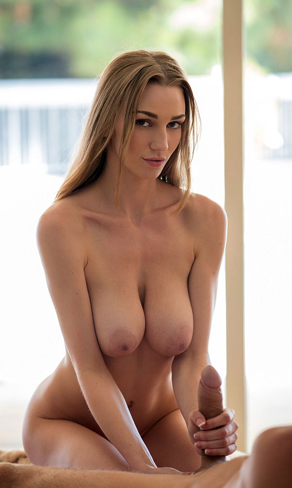 Kendra Sunderland nude. Pet Of The Month - May 2015