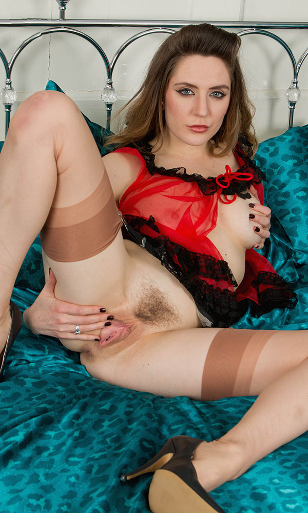 Samantha Bentley nude. Pet Of The Month - August 2015