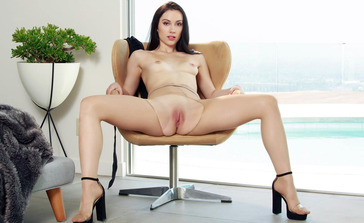 Jazmin Luv nude. Pet Of The Month - June 2020