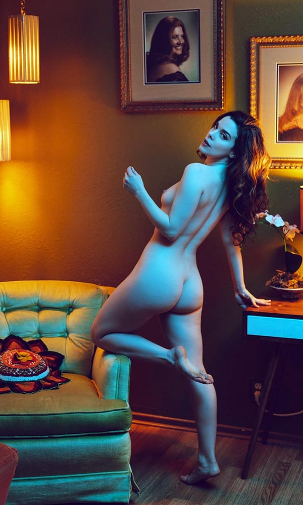Nicole Vaunt nude. Pet Of The Month - July 2020
