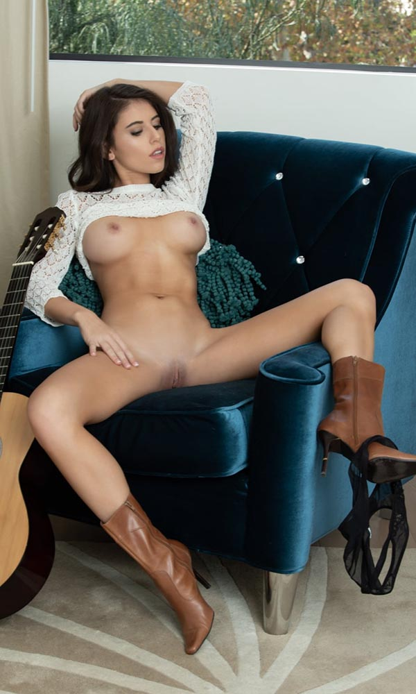 Violet Summers nude. Pet Of The Month - April 2020