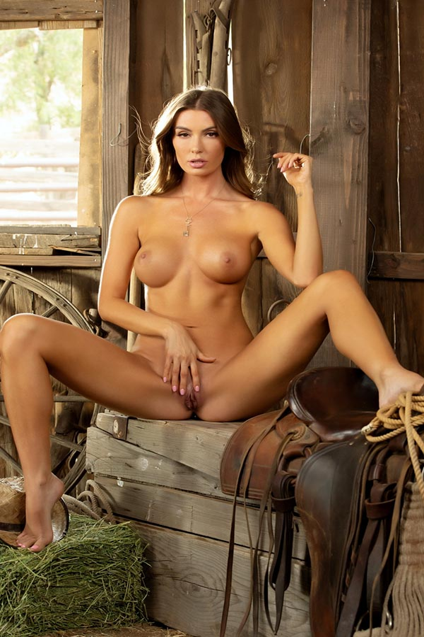 Carolina White nude. Pet Of The Month - September 2021